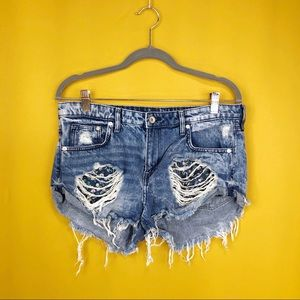 H &M & DENIM Distressed Denim Jeans Shorts Size 10